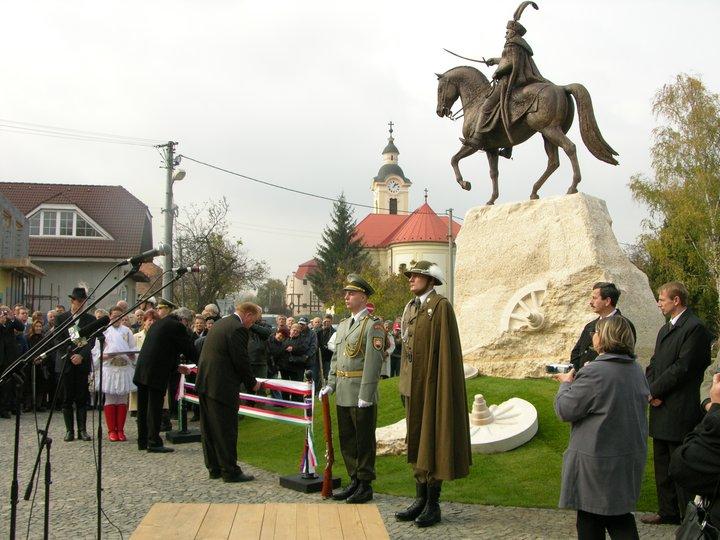 Pamätník Sobieskeho v Štúrove, slávnostné odhalenie.